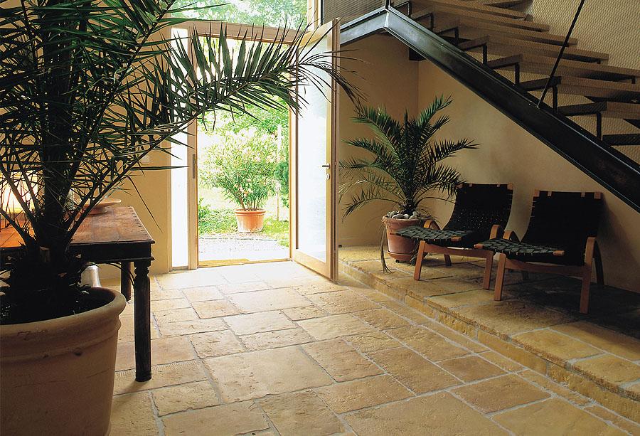 Pavimentos manoir fabistone pavimentos para jardins for Pavimentos rusticos para interiores