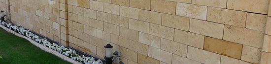 Traverti Wall