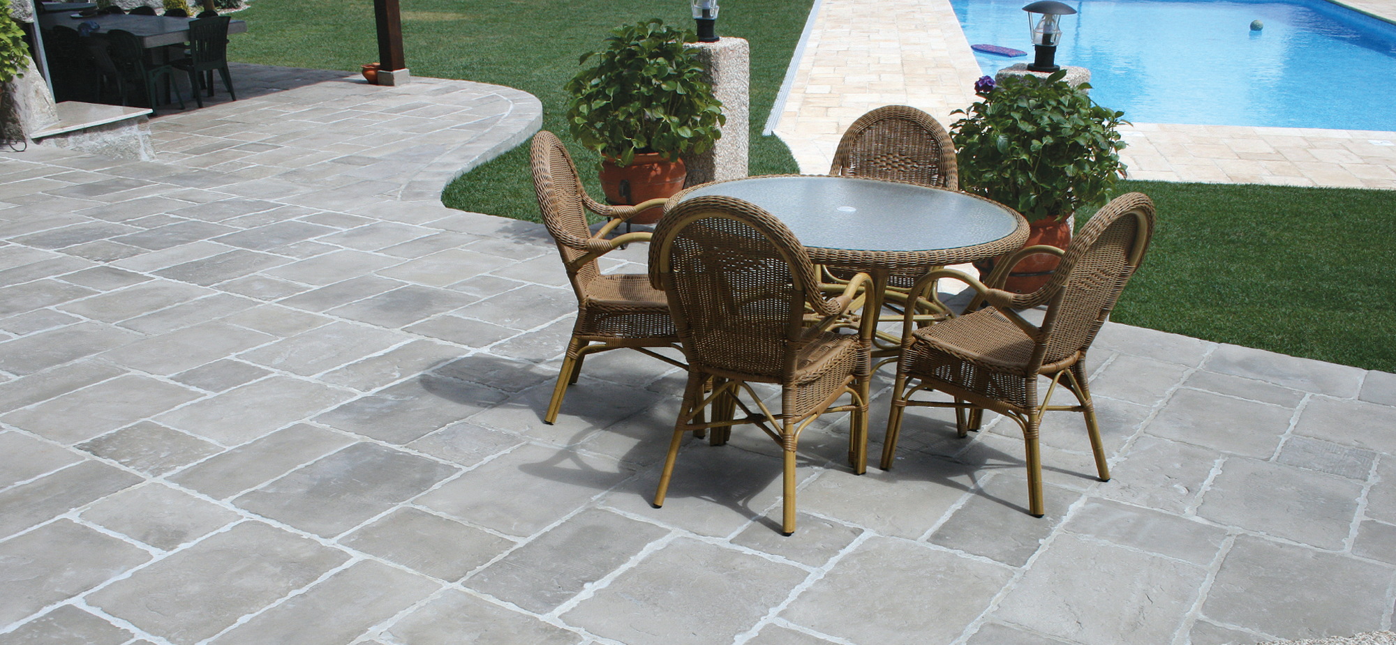 Fabistone pavimentos y revestimientos en piedra natural reconstitu da - Pavimento jardin ...