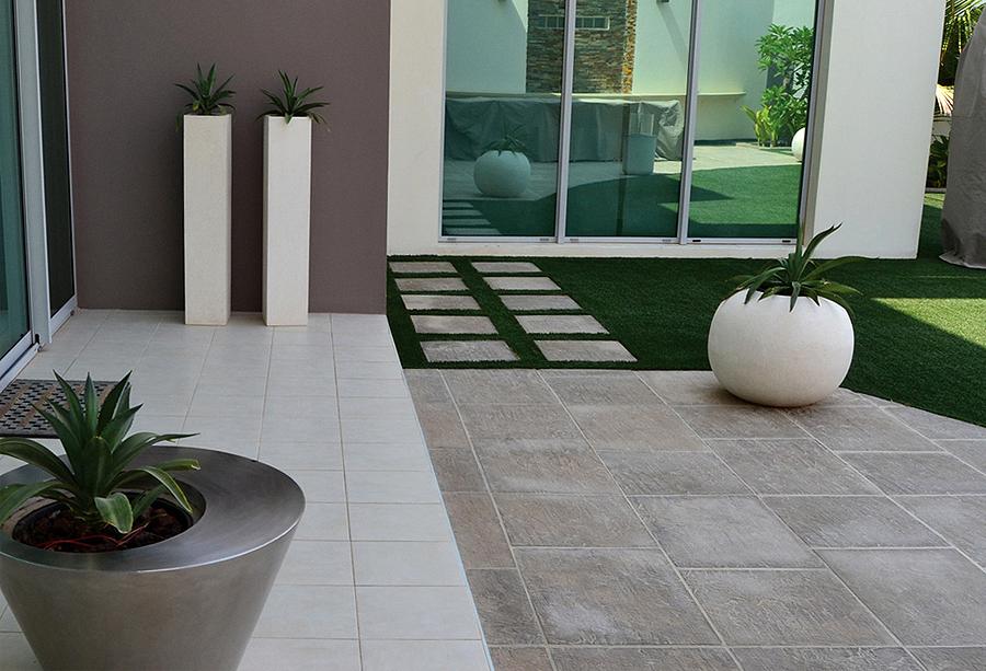 Pavimentos para exteriores piscinas con el pavimento para - Pavimento para exterior ...