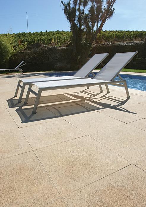 Pavimento granitus fabistone pavimentos para piscinas for Pavimento para piscinas