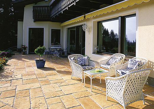 La gama fabistone pavimentos y bordaduras en piedra for Pavimento piedra natural