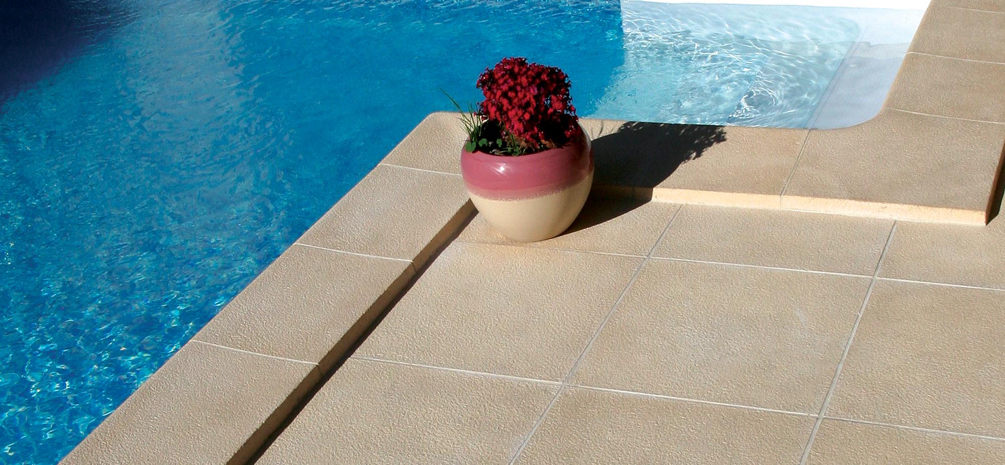 Pavimentos granitus fabistone pavimentos para piscinas for Pavimento para piscinas