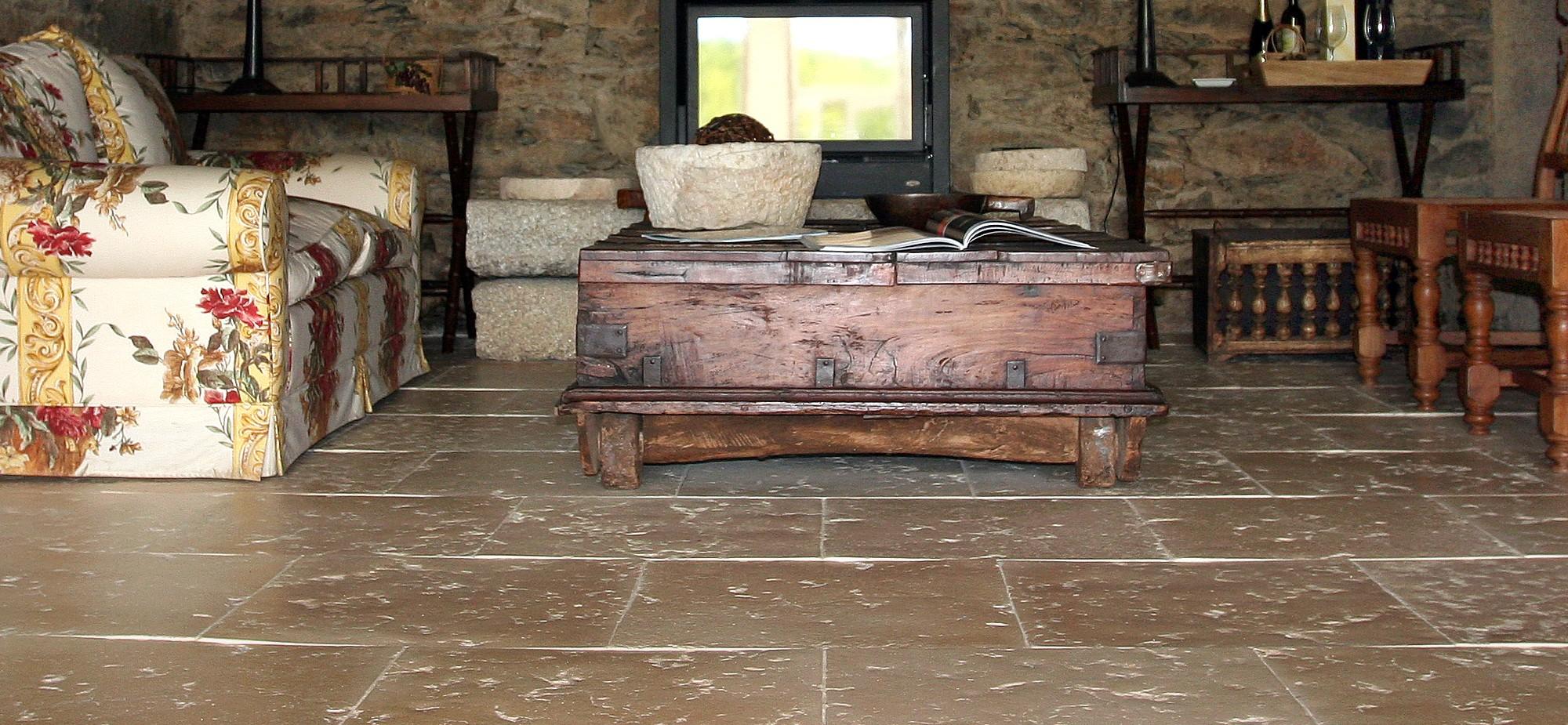 Pavimento merida pavimento em pedra natural reconstitu da for Pavimentos rusticos para interiores